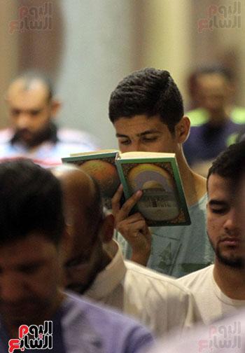 صلاة التراويح بجامع عمرو بن العاص (11)