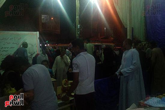 توافد الأهالى على معارض أهلا رمضان