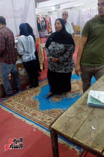 إقبال مميز من الأهالى داخل معارض أهلا رمضان