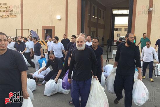 الداخلية تفرج عن 332 سجينا بموجب العفو الرئاسى (4)