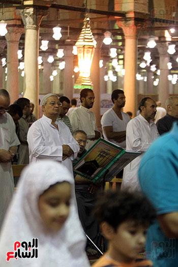 صلاة التراويح بجامع عمرو بن العاص (20)