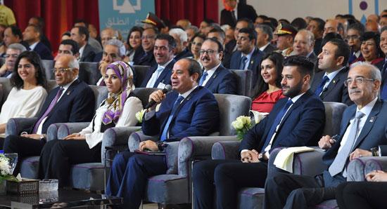 صور السيسى فى مؤتمر الشباب (9)
