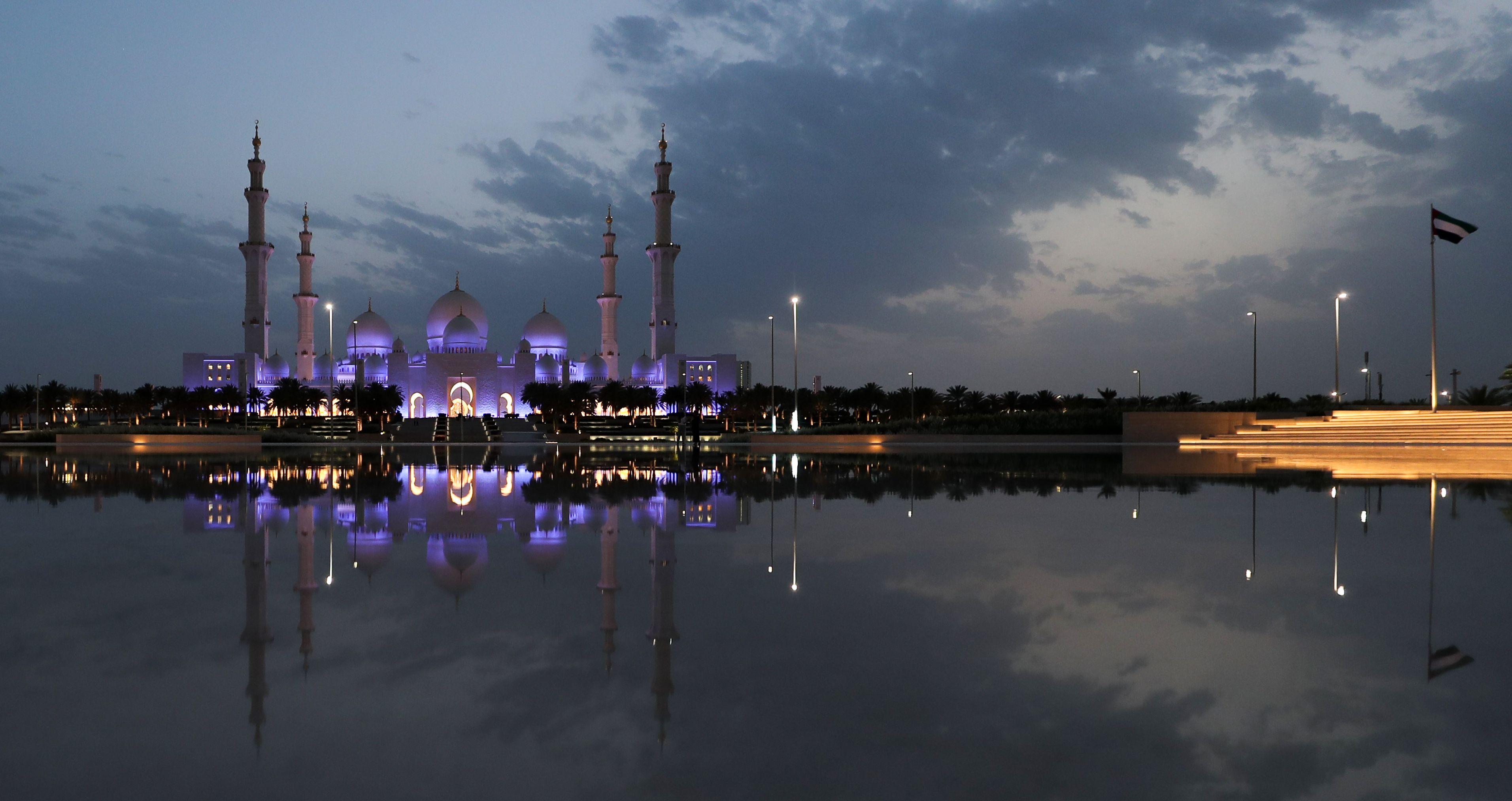 المسجد الكبير في الإمارات