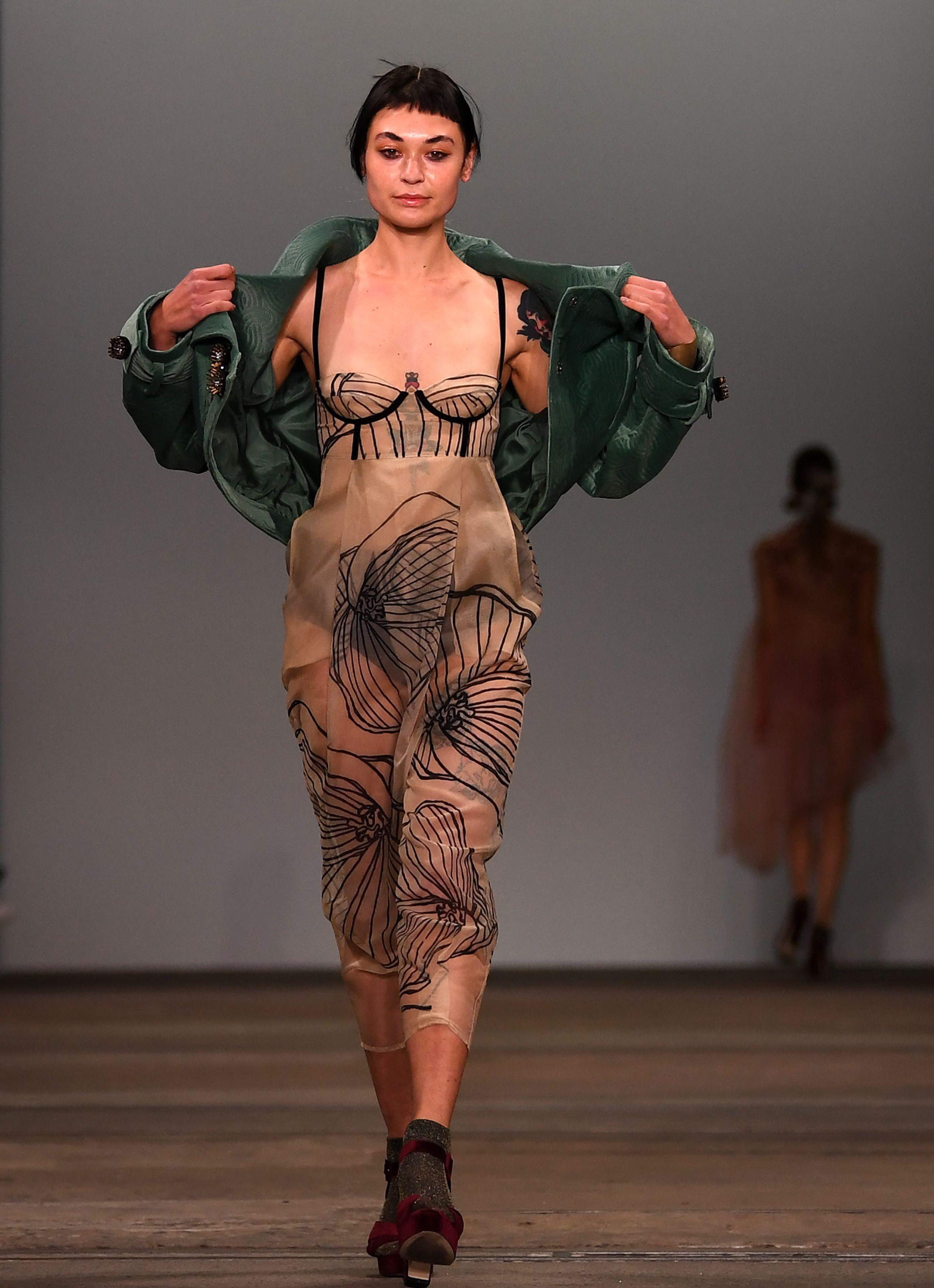 عروض أزياء (1)