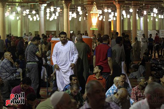 صلاة التراويح بجامع عمرو بن العاص (7)