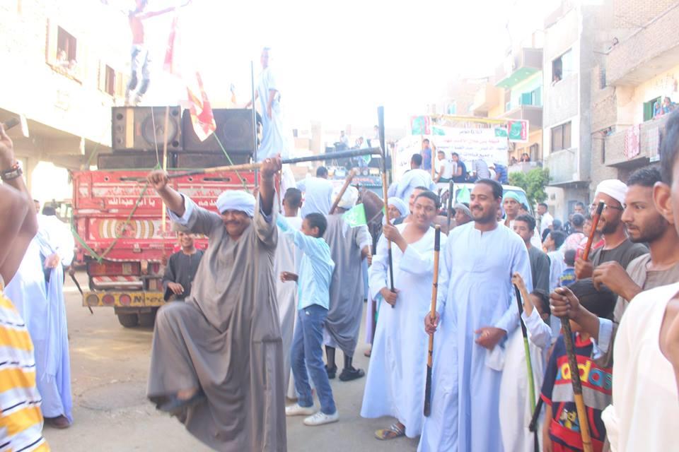 أهالي مدينة الاقصر وإسنا يخرجون في دورة رمضان بمواكب إحتفالية (1)
