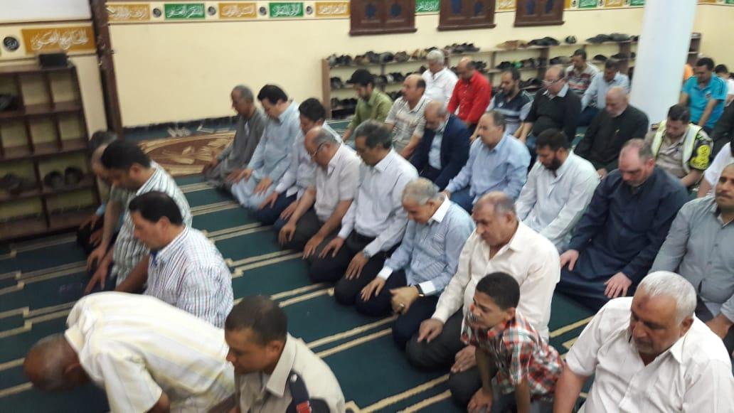 3- جانب من أداء الصلاة