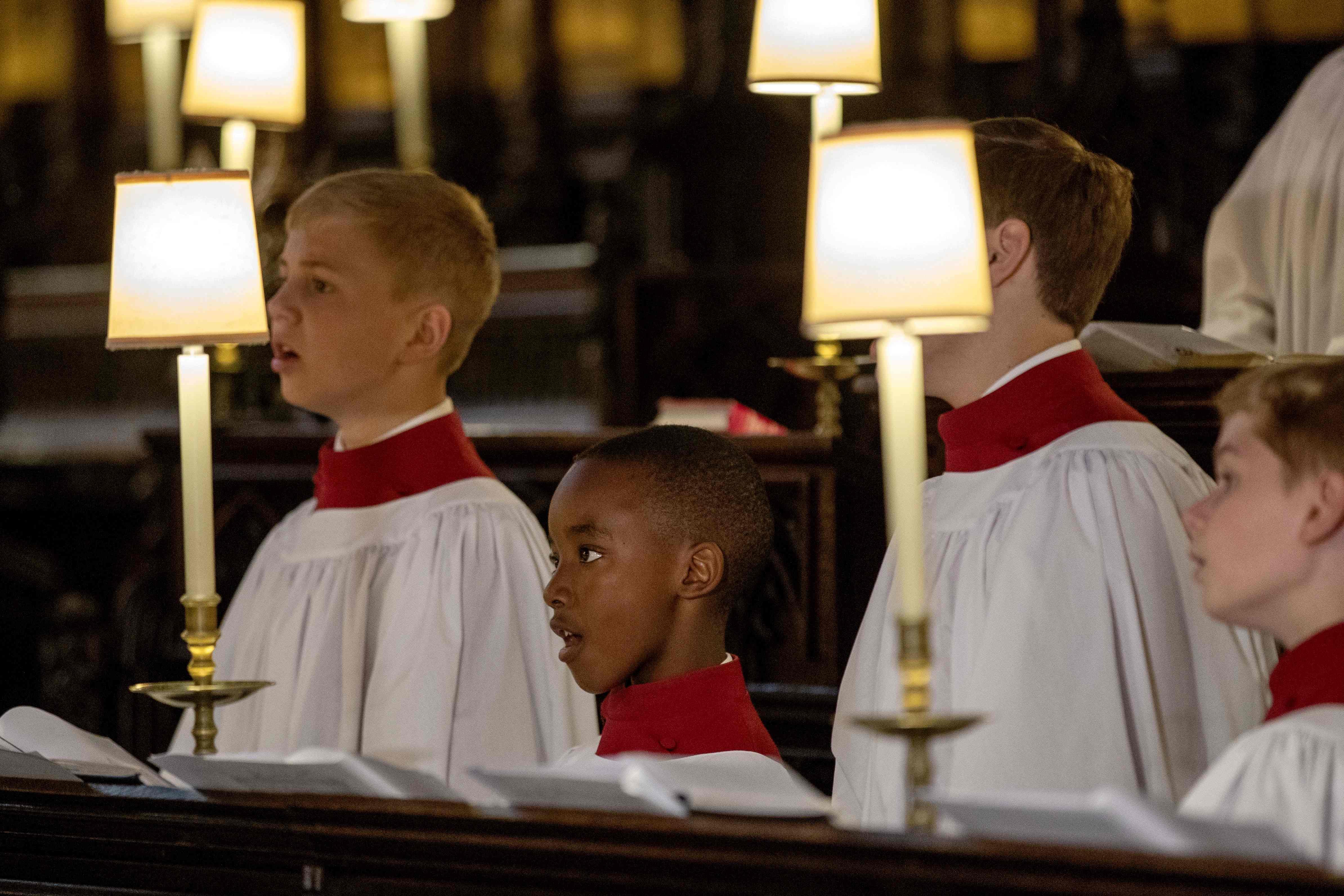 الاستعدادات داخل الكنيسة