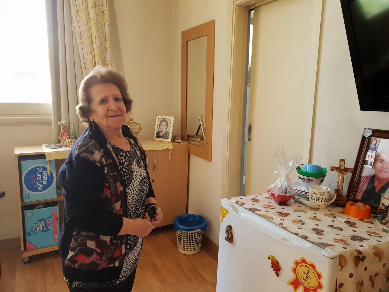 يوانا حبيب داخل دار المسنين (5)