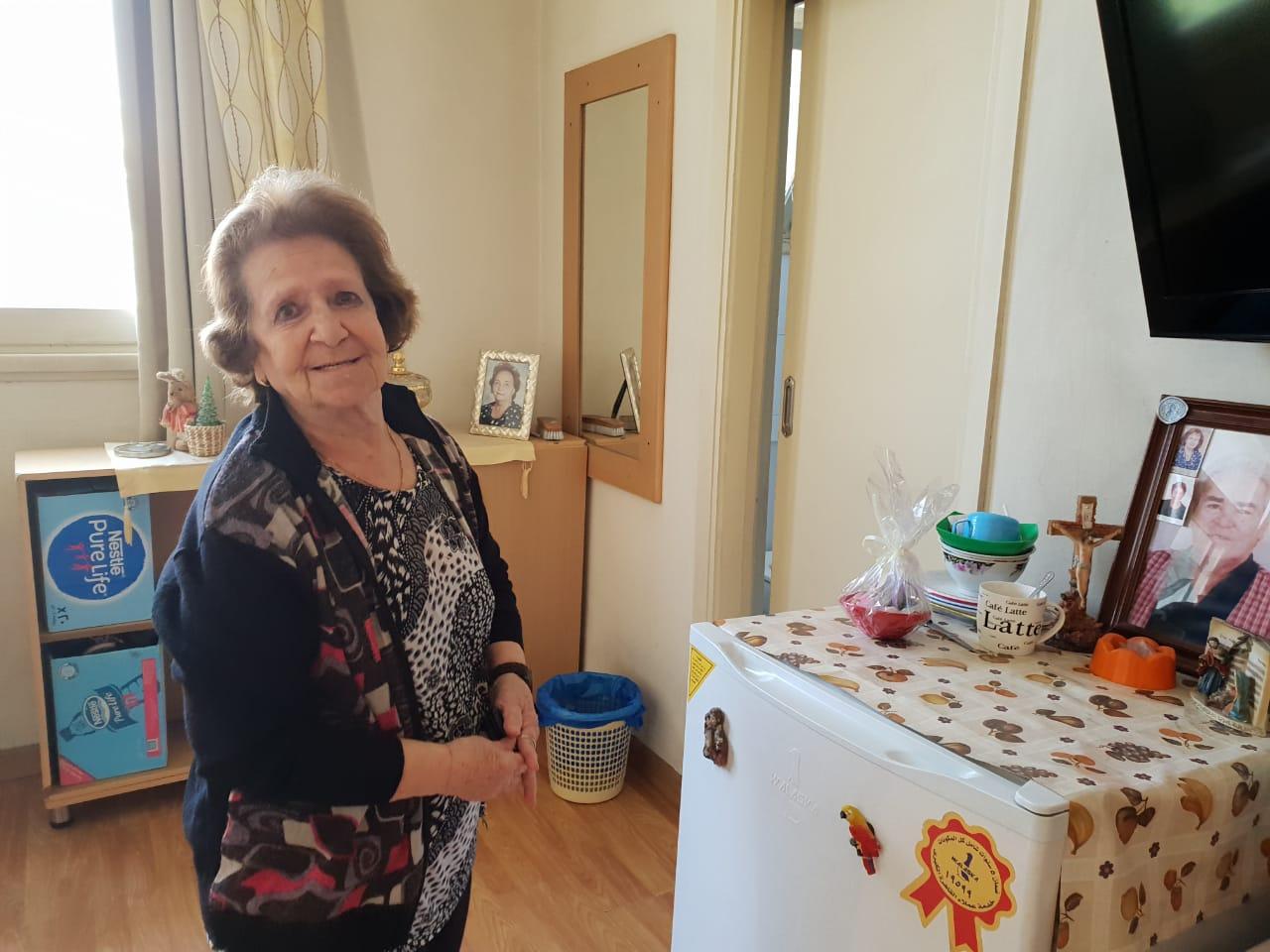 يوانا حبيب داخل دار المسنين (4)