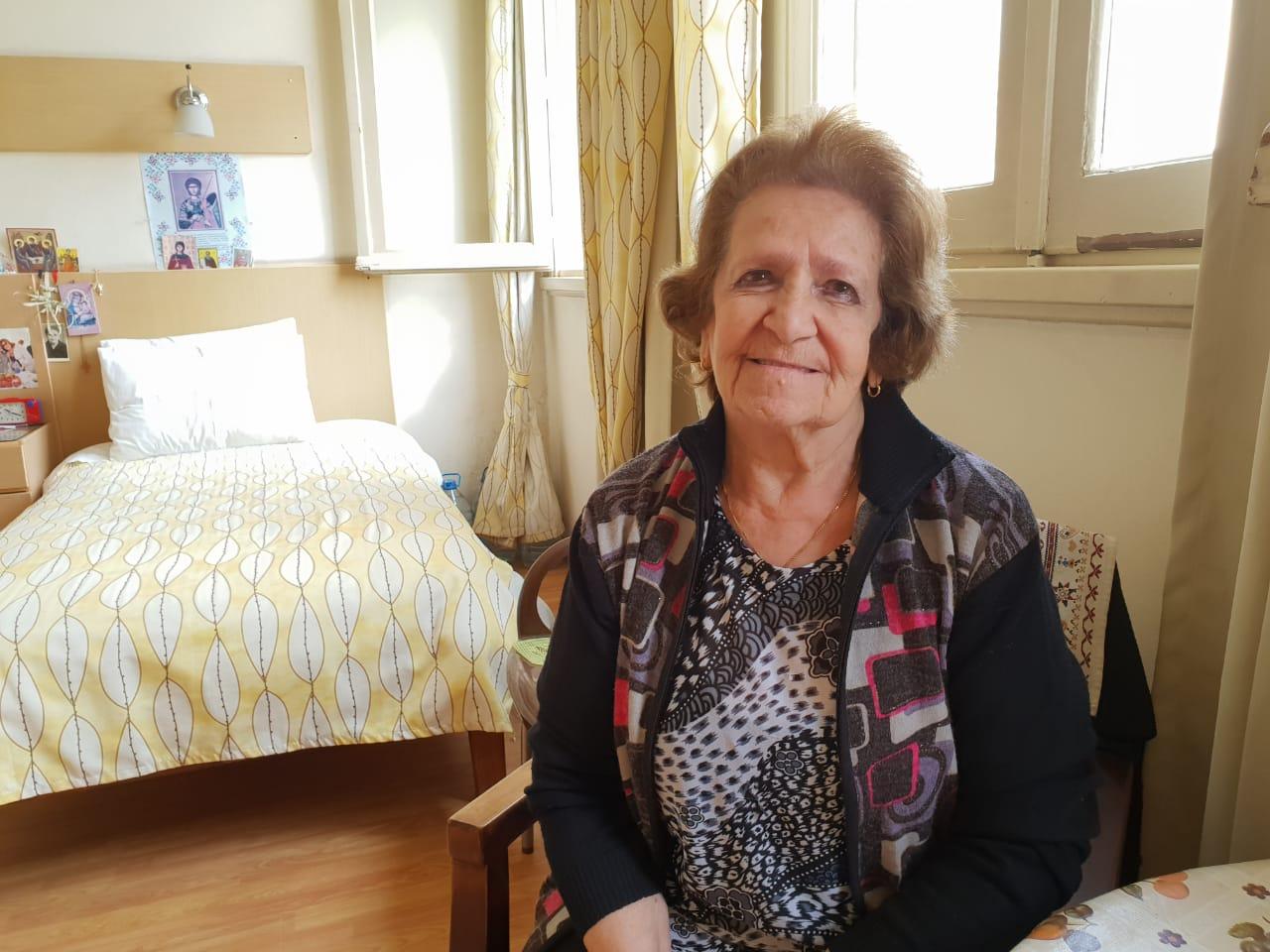 يوانا حبيب داخل دار المسنين (2)