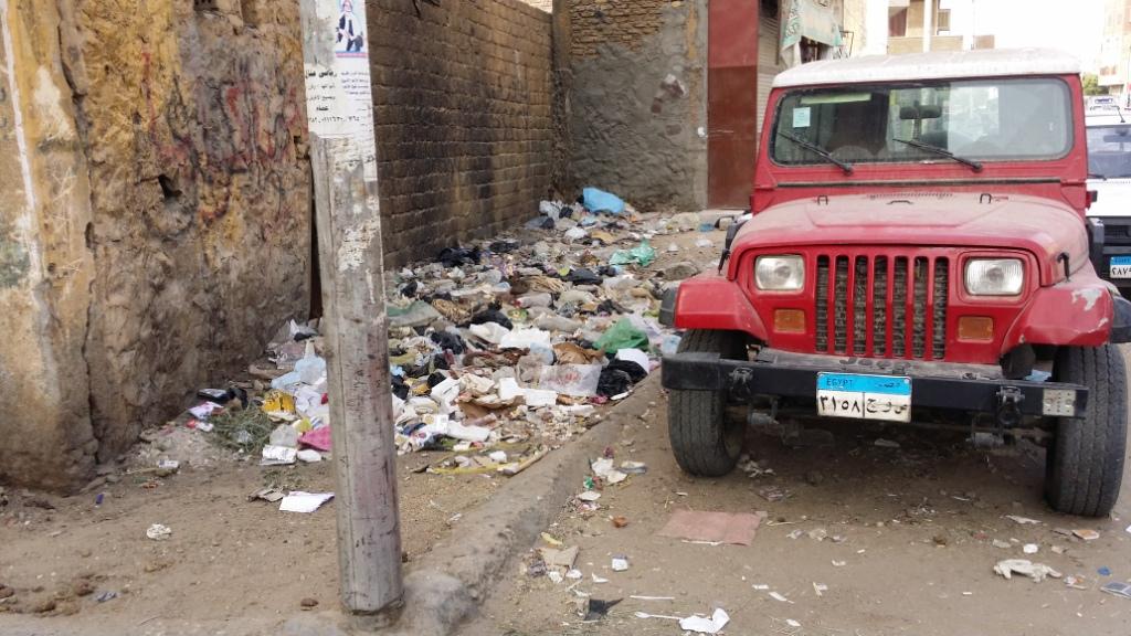 القمامة تحاصر الشوارع