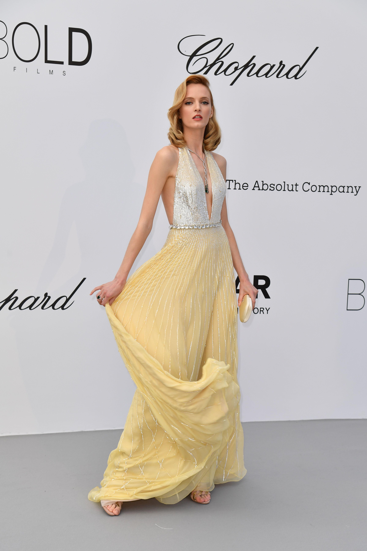 الفستان الأصفر