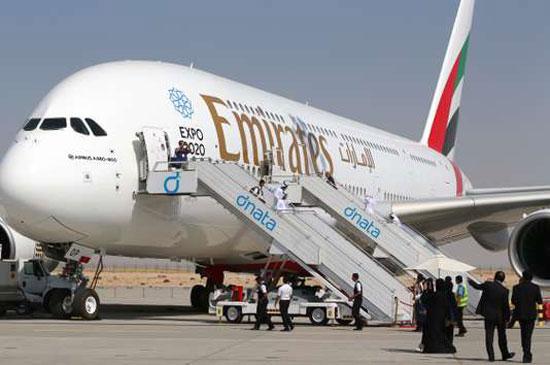 طائرة A380 (2)