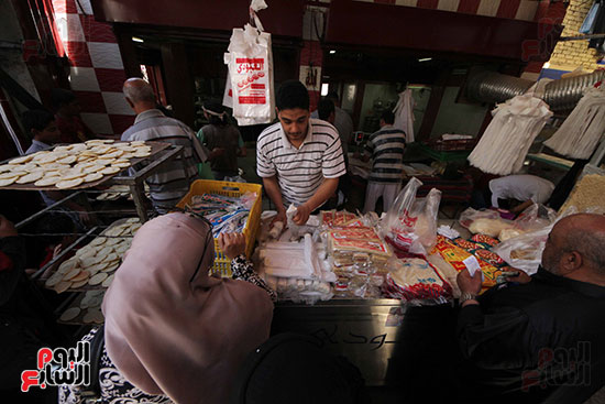 إقبال المصريين على الكنافة والقطايف (4)