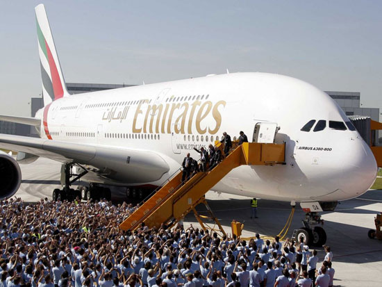 طائرة A380 (1)