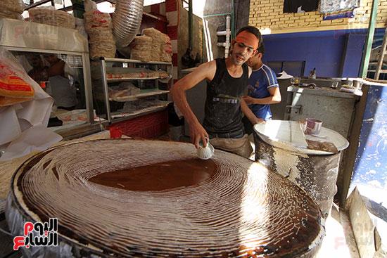 إقبال المصريين على الكنافة والقطايف (5)