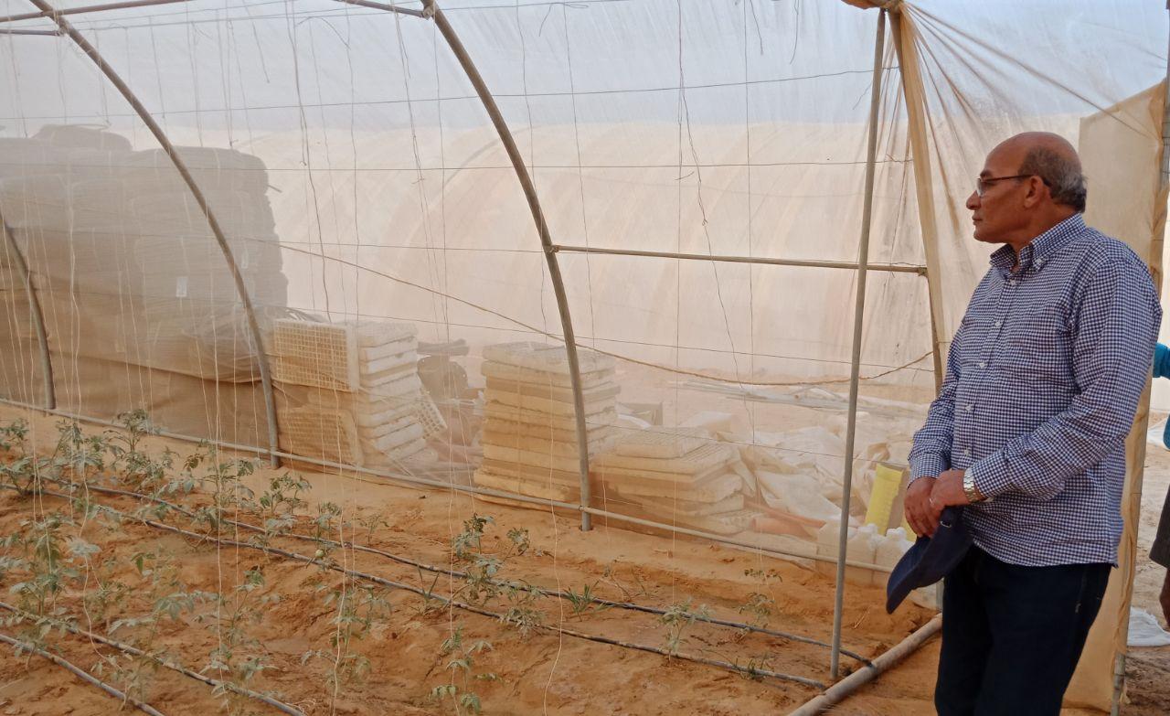 وزير الزراعة يتفقد أعمال مزرعة الـ 20 ألف فدان بغرب المنيا (10)
