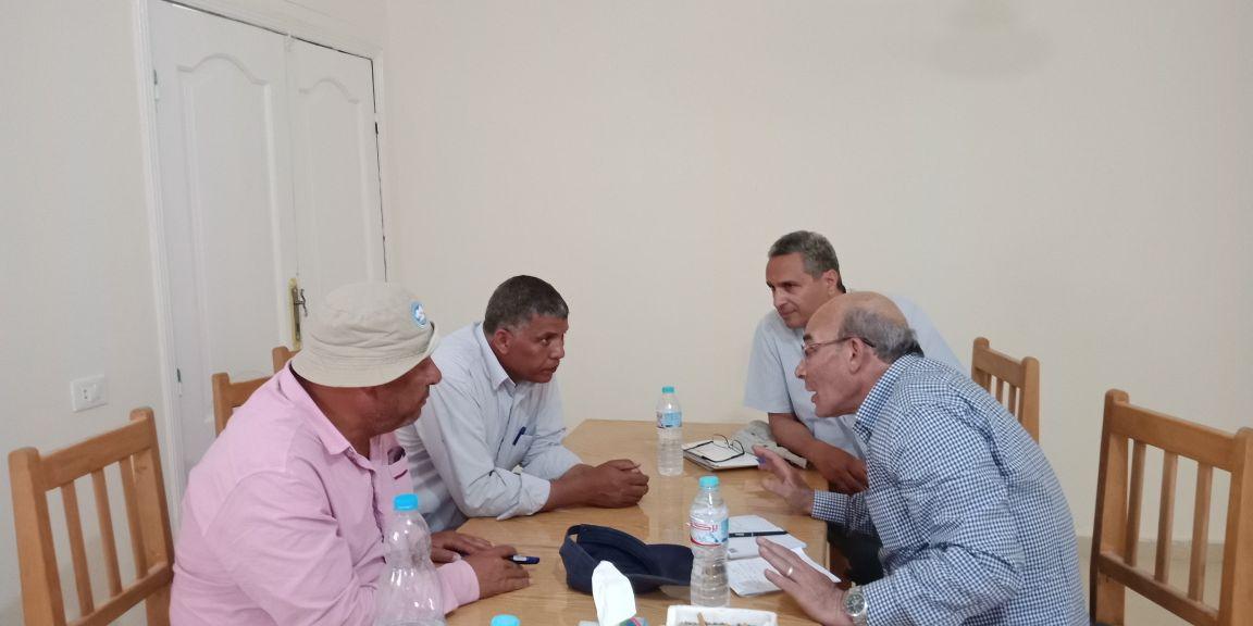 وزير الزراعة يتفقد أعمال مزرعة الـ 20 ألف فدان بغرب المنيا (4)