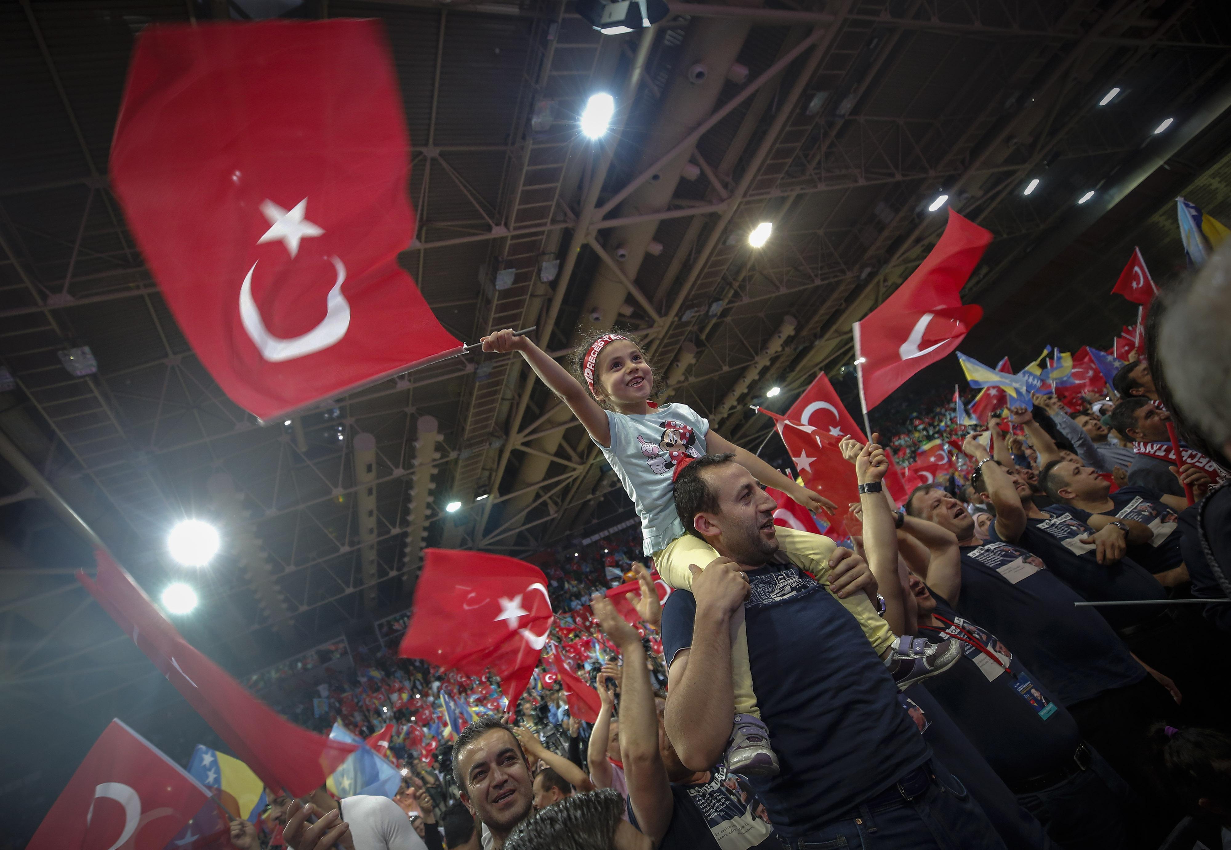 تجمع انتخابى فى البوسنة لانصار اردوغان