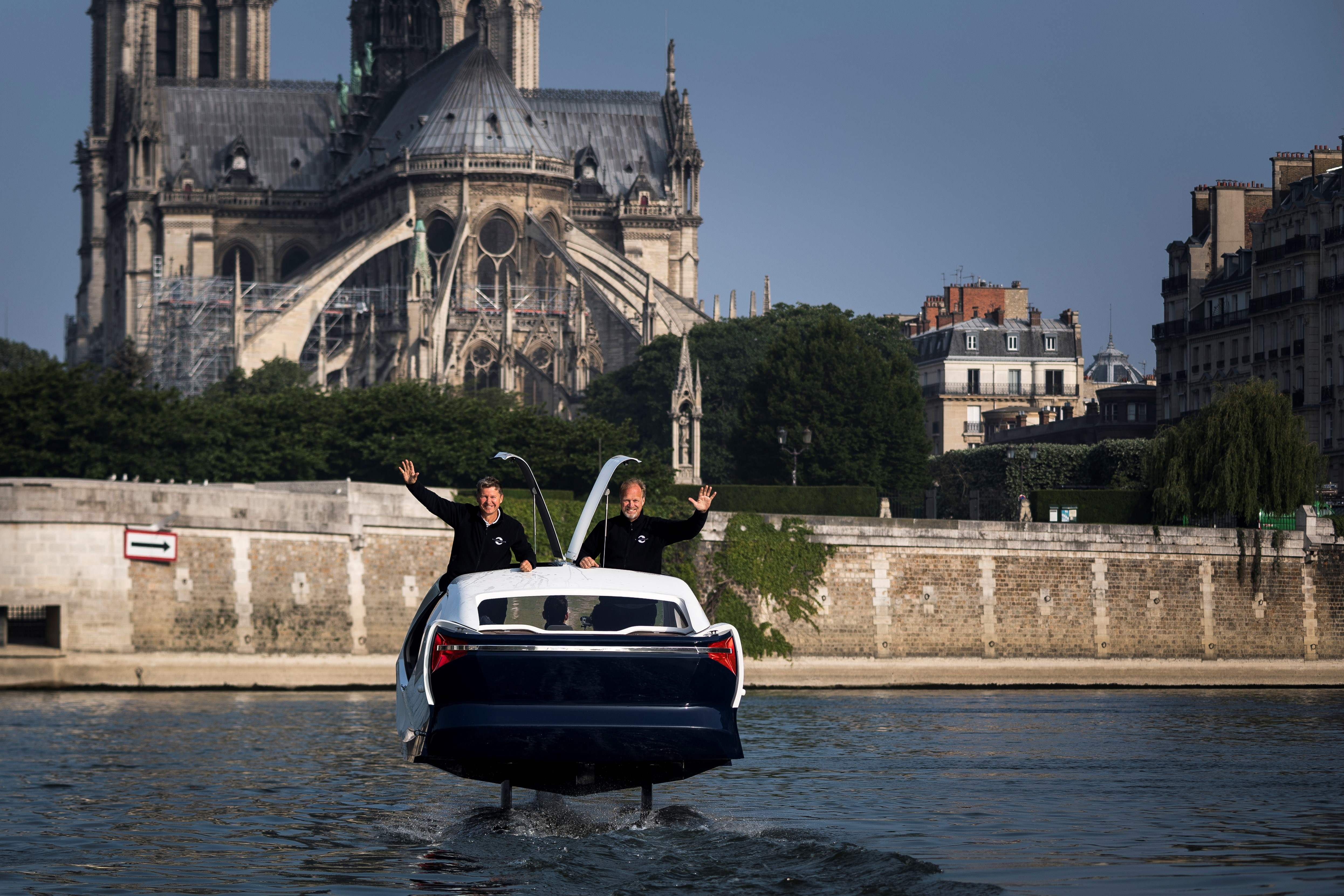 """فرنسا تطلق تاكسى طائر اسمه """"فقاعة البحر"""""""