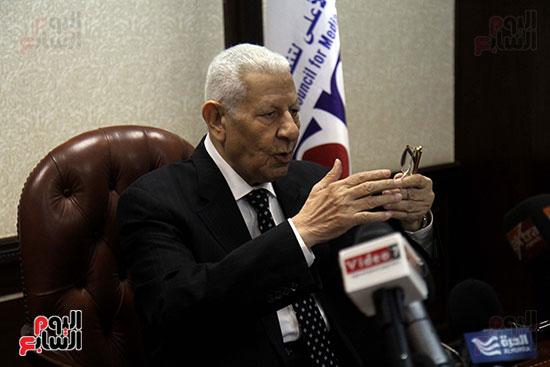 مكرم محمد أحمد رئيس المجلس الأعلى لتنظيم الإعلام (15)