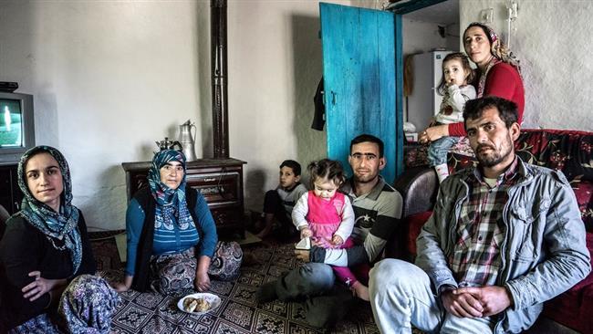 العديد من الأسر التركية تعانى من انهيار الاقتصاد