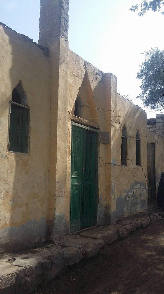 منازل العزبة بدون كهرباء  (3)