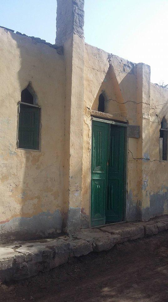 منازل العزبة بدون كهرباء  (5)
