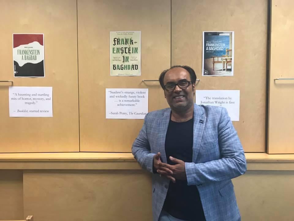أحمد سعداوى يتلقى بالوكيل الأدبى فى لندن (2)