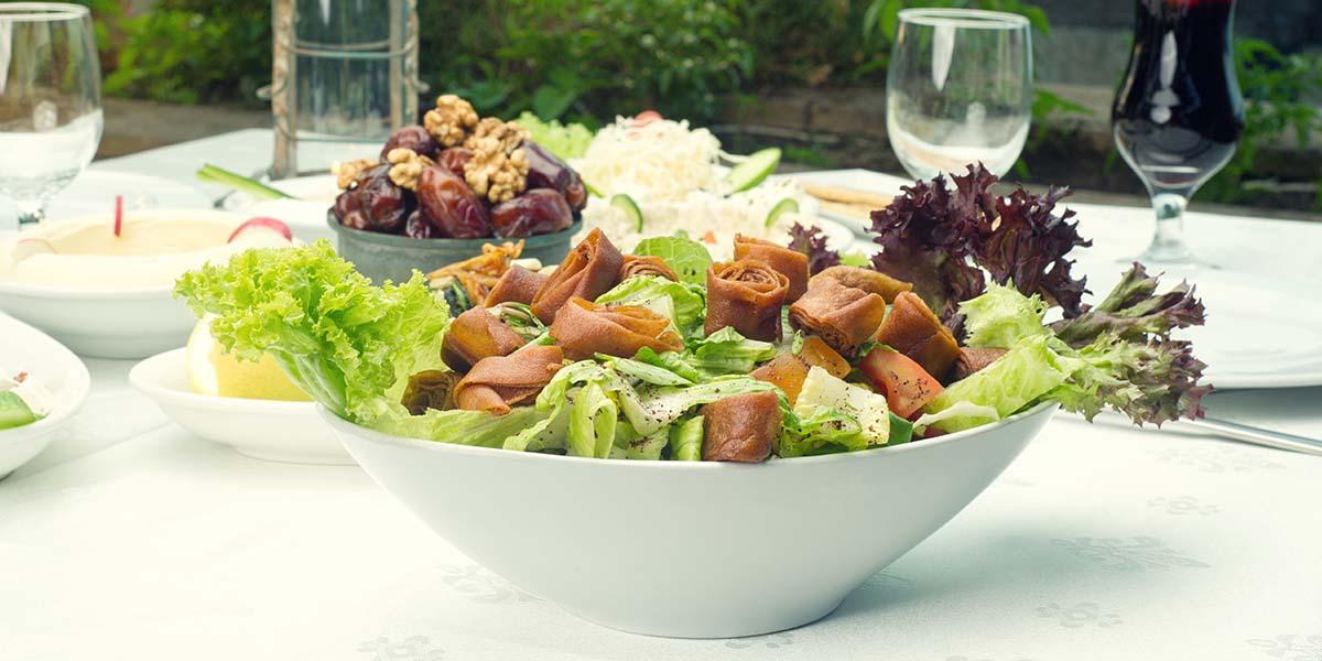 الاعتماد على الخضروات وتوزيع الكربوهيدرات على مدار الوجبات لمنع زيادة الوزن