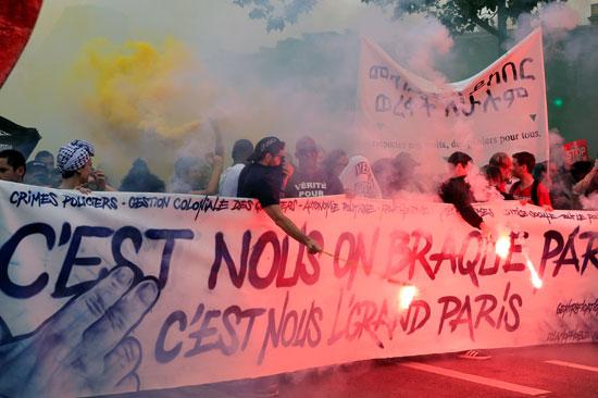 الاشتباكات بين الشرطة ومتظاهرين