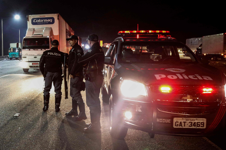 الشرطة البرازيلية مدججة بالسلاح