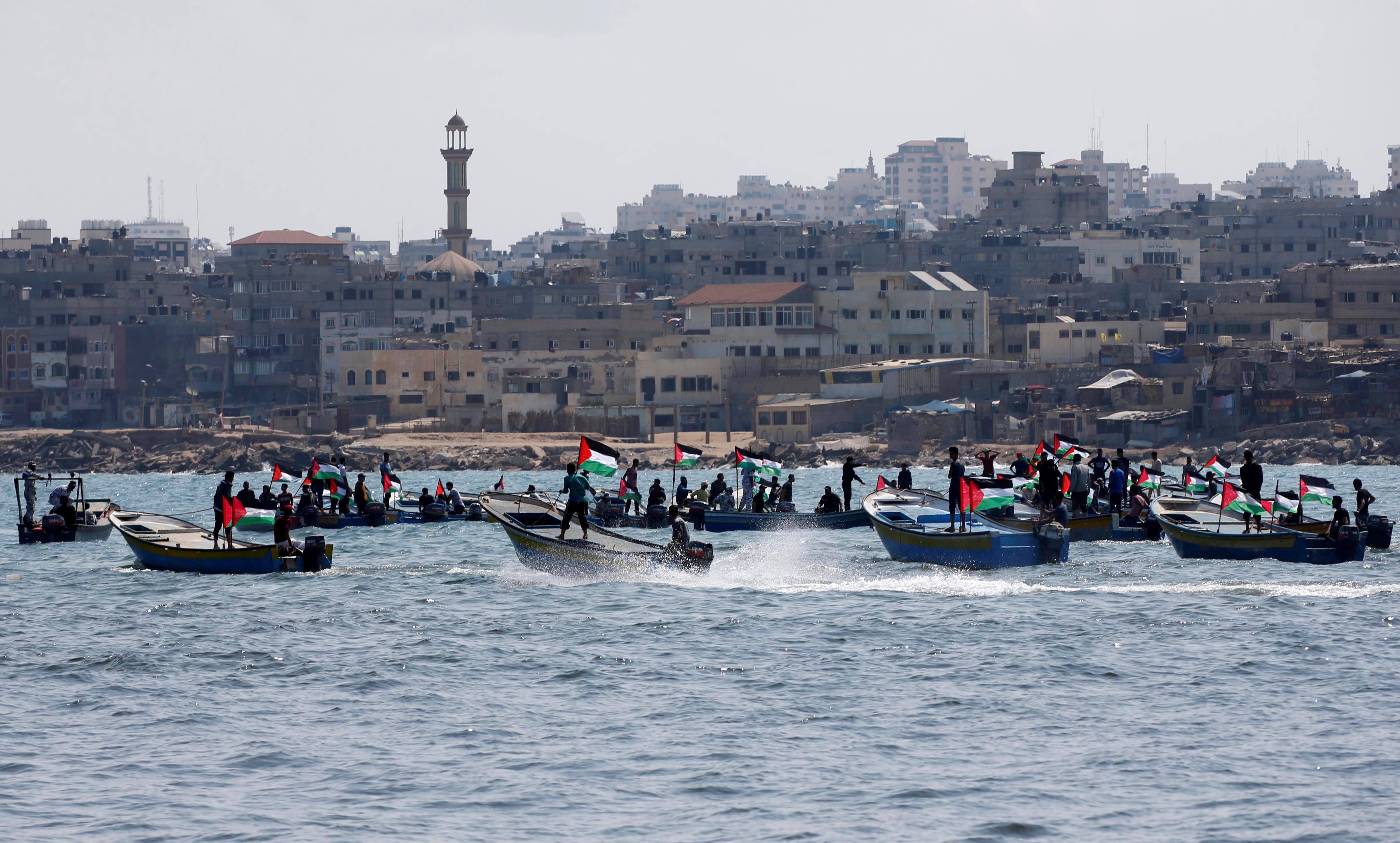 جانب من إبحار الشبان الفلسطينين