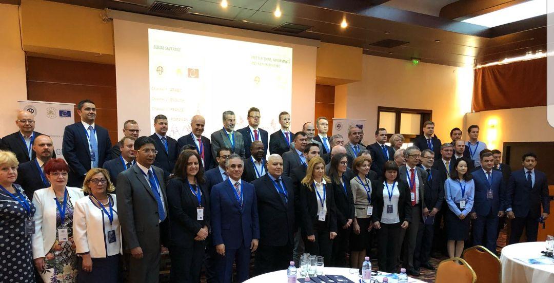 صورة تذكارية للمشاركين فى مؤتمر رومانيا