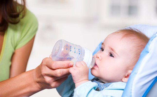 شرب المياه لعلاج الامساك