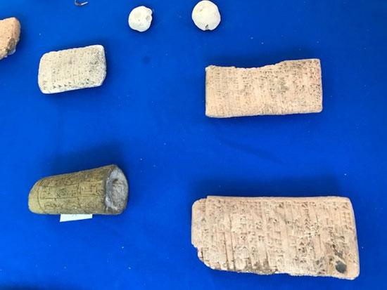 قطع أثرية عراقية