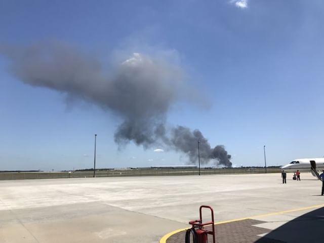 ارتفاع أعمدة الدخان عقب تحطم الطائرة