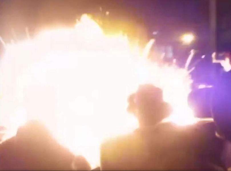 حظة وقوع الانفجار