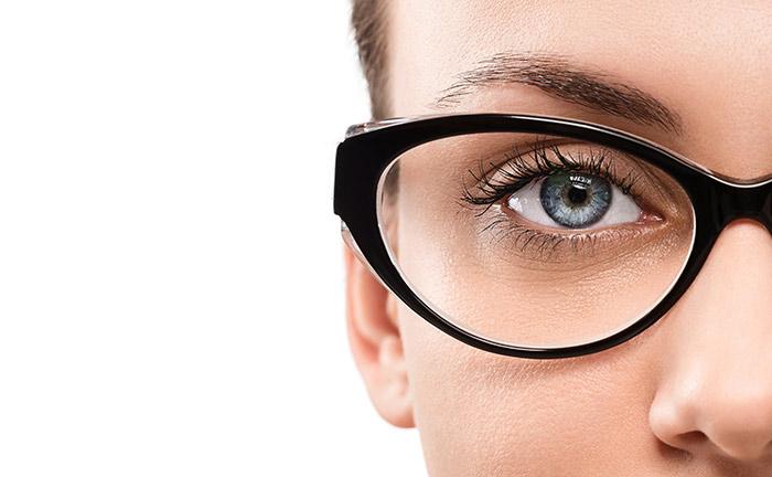 فوائد الخوخ لتحسين الرؤية