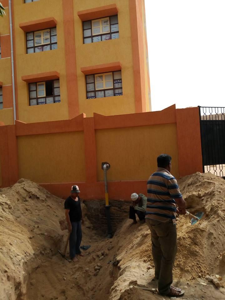 شركة المياه بالأقصر توصل المياه لمدرسة نجع العمدة الجديدة بالطود