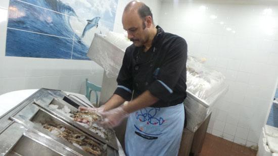 """الإسكندرية مملكة الأكلات المميز بـ""""السمك"""" و""""الصيادية"""" والملوخية بالجمبرى"""