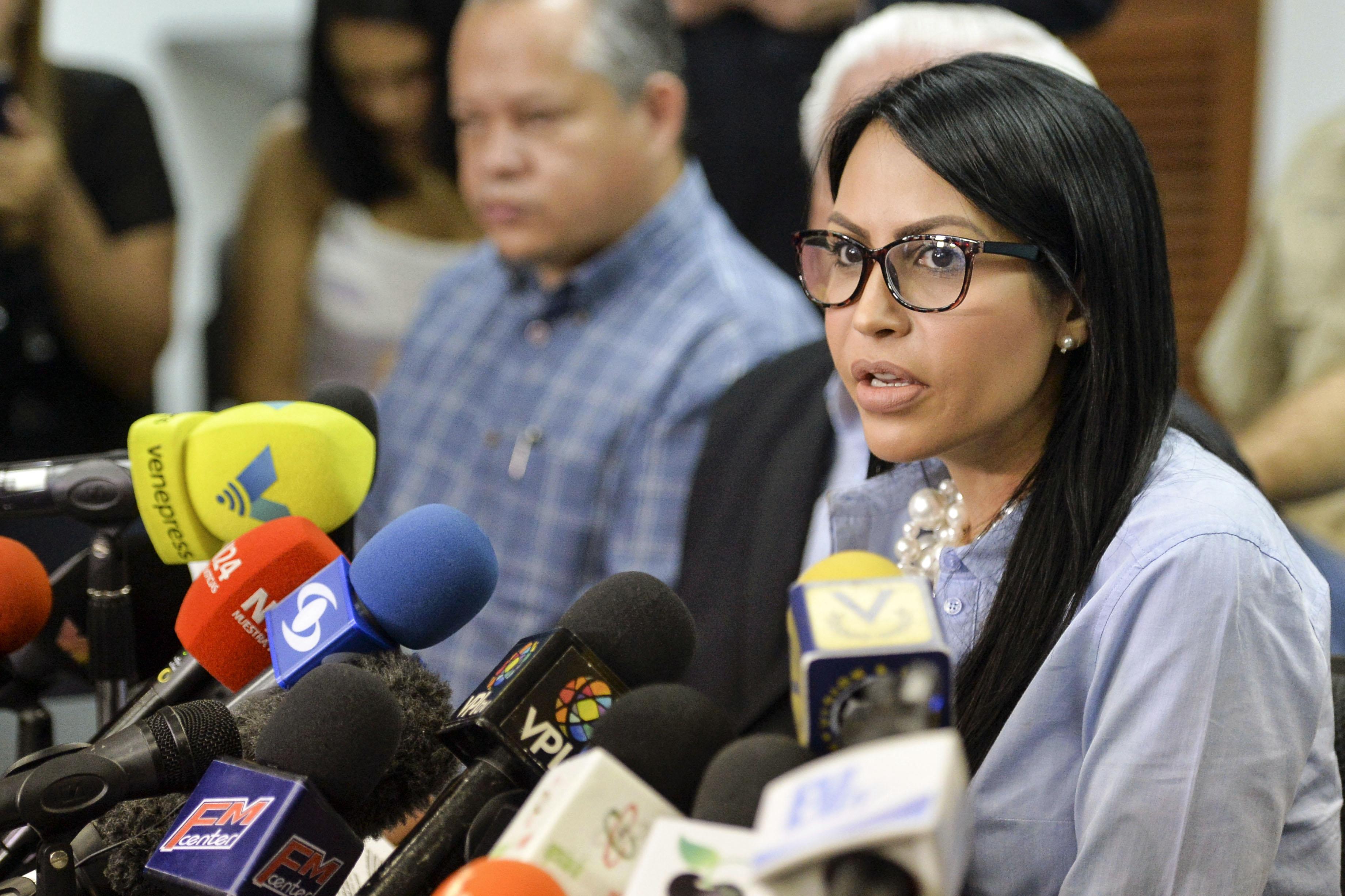 مؤتمر صحفى للمعارضة الفنزويلية للدعوة لمقاطعة الانتخابات