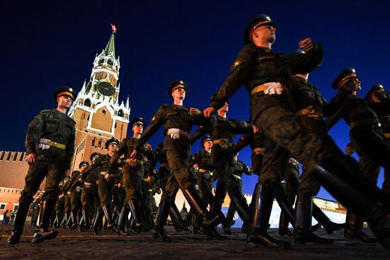 جانب من العروض العسكرية فى موسكو