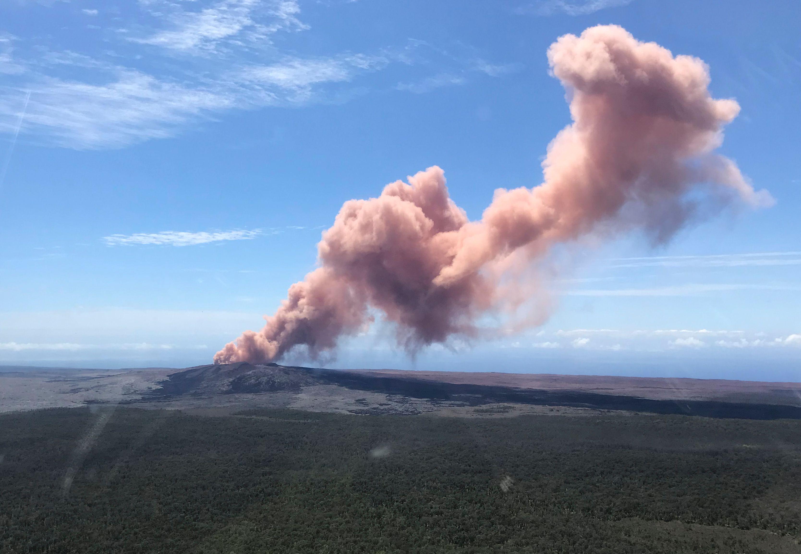 لحظة انفجار البركان