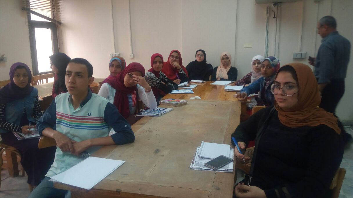 9- بعض الطلاب من الحضور