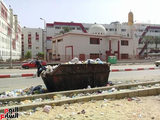 نتشار-القمامة-فى-أسوان-رغم-انطلاق-حملة-المحافظ-بالنظافة-(1)