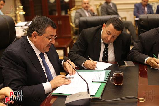 لجنة الإعلام بالبرلمان (2)