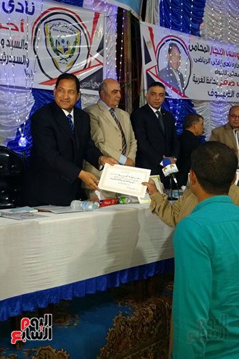 حضور محافظ الغربيه حفل توزيع شهادات امان