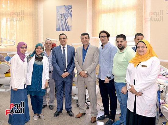 رئيس جامعة المنصورة يتفقد امتحانات اسنان المنصورة